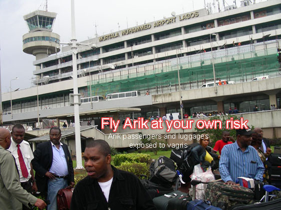 Arik Airline passengers and luggages